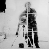 autoportrait afghan box camera
